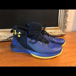 EUC Under Armour 7Y 8.5 women's basketball shoes